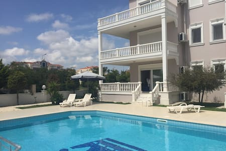Beautiful poolside apartment - Belek