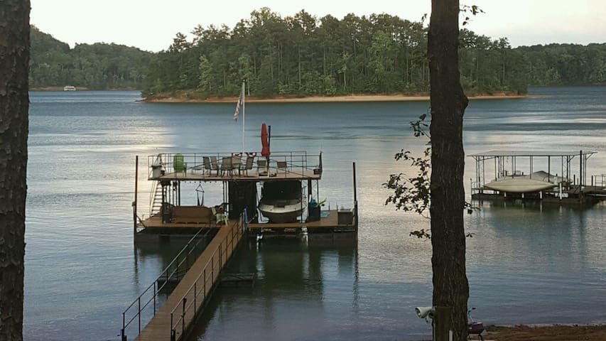 Pier 39 on Lake Lanier - Entire Terrace Level - Gainesville - Hus