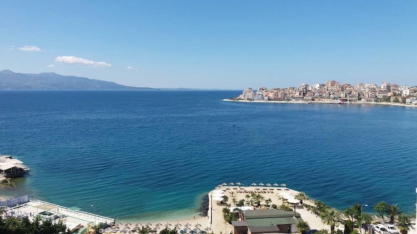 Luxury Penthouse with amazing sea view - Sarandë - Apartment