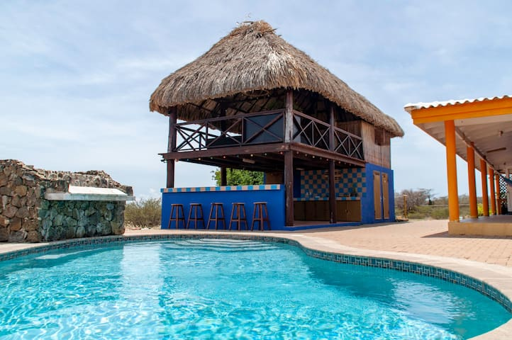 Westpunt25 - Cozy Adventure Palapa Room