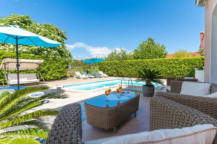 Relax house Villa Marina with pool - Pula - Huis