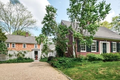 Entire Historic Carriage House with Fireplace