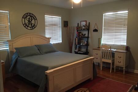 Walking Distance/Large Room! - Jacksonville - Haus