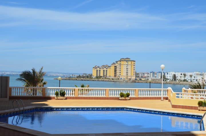 Apartment with sea views, free wifi, balcony, pool