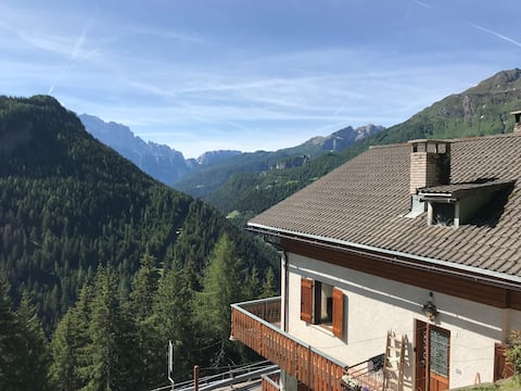 Holiday apartment in the Dolomites