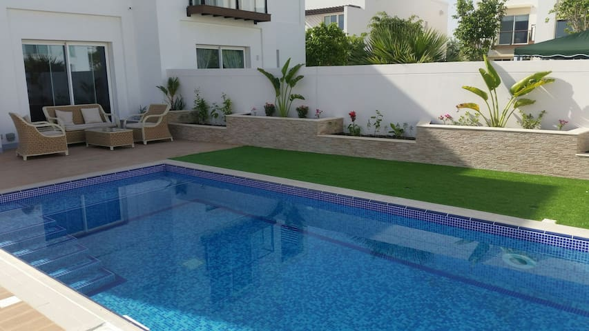 ModernRoom with Pool nearby Airport @ Al Mouj [01] - Muscat - Villa