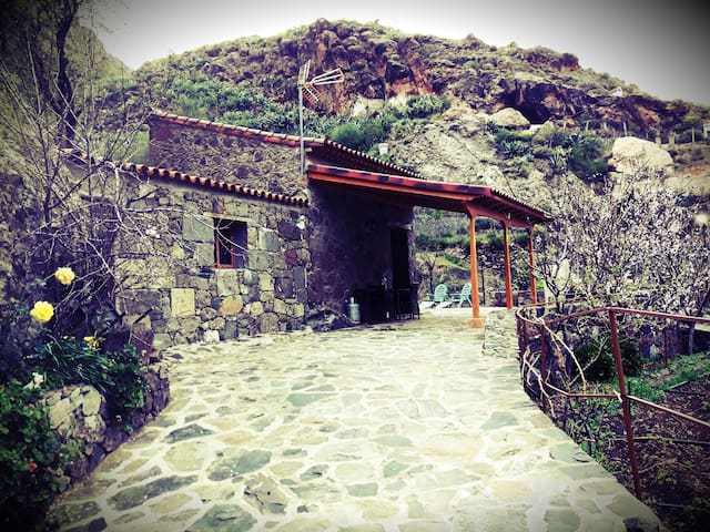 El Parral Cottage House - La Culata - Guesthouse
