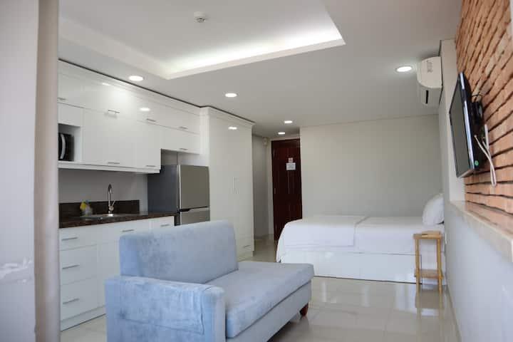 ♣Sparkling Studio Balcony&Window near Ben Thanh♣