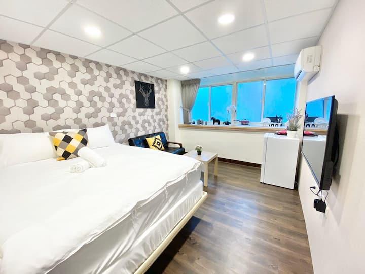 Taipei M919/ XIMEN/ cosy apartment/ MONTHLY PROMO!