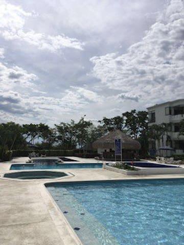 Chinauta apto SPA a 2horas d BOGOTA - Chinauta - Apartamento