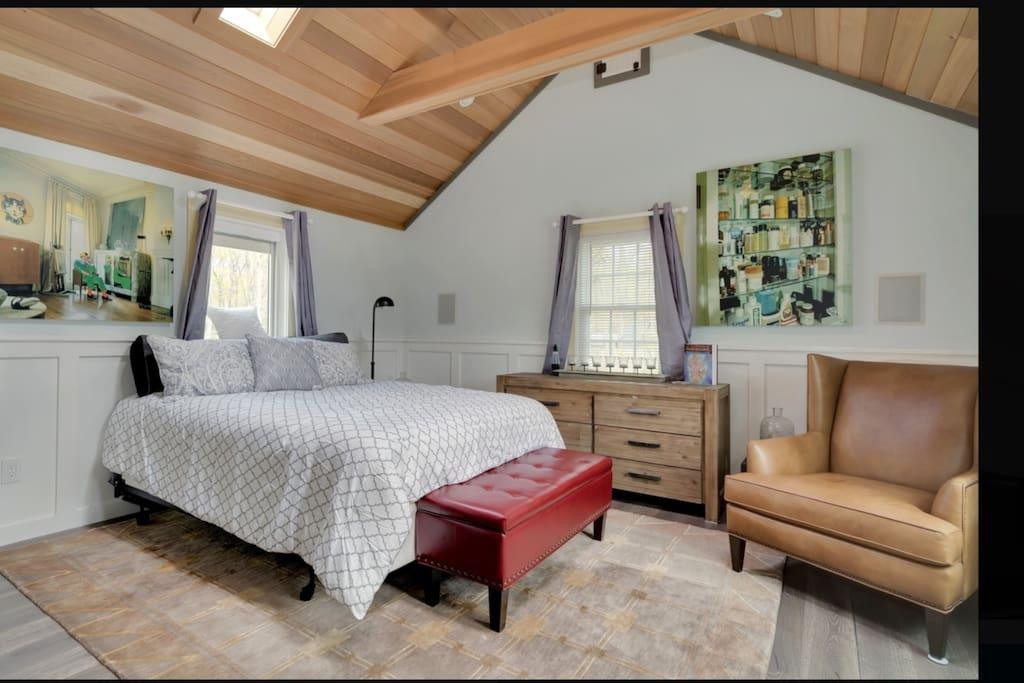 Master Bedroom w/ Surround Sound