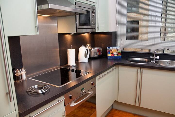 1 bed, Pepys Street, Central London