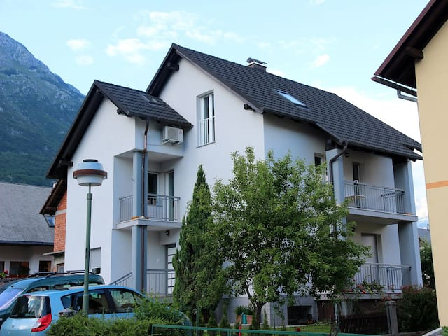 Apartment House Brdo 48 - Bovec - Apartament