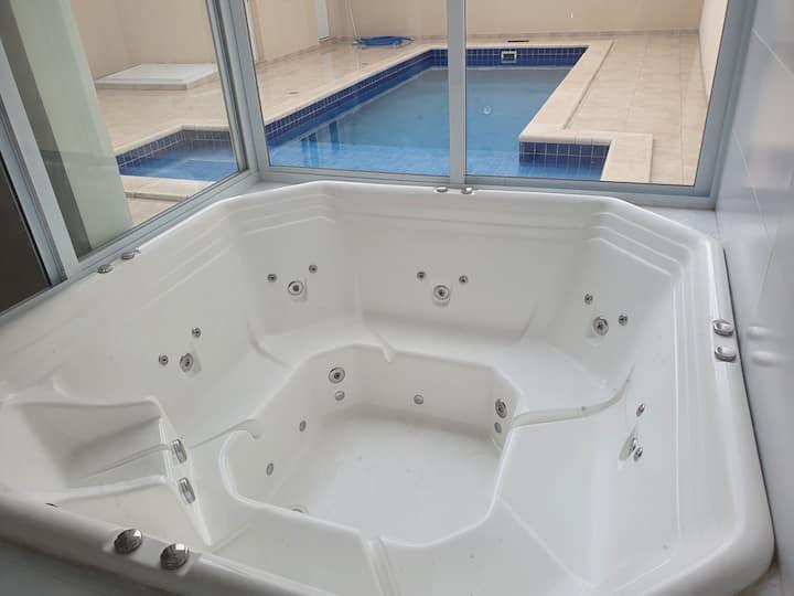 Casa completa com piscina e jacuzzi em Sorocaba-SP