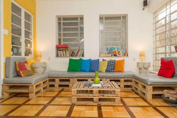 Solar63 Hostel POA - Hospedagem com Café da Manhã!