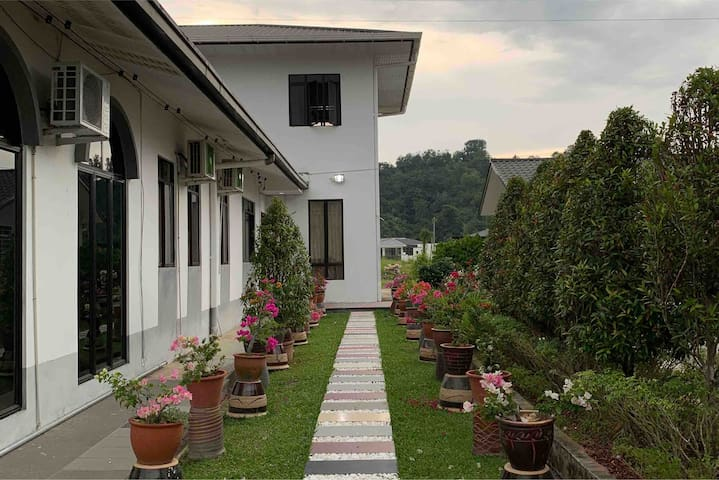 Auntie Florence Homestay, Penampang   House