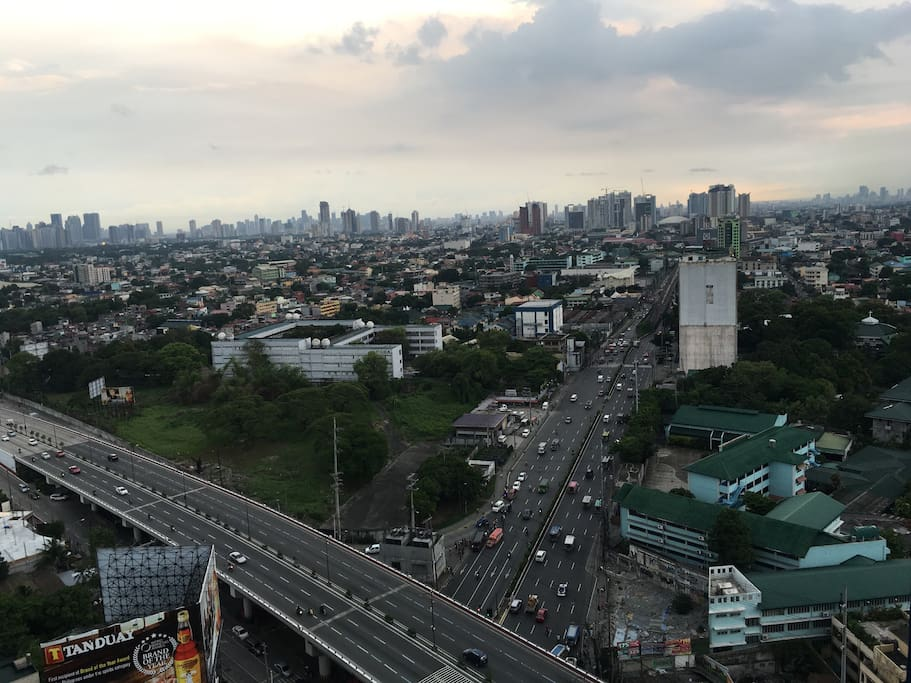 View from the unit window- Ortigas Center, Makati &Araneta Center in Cubao.