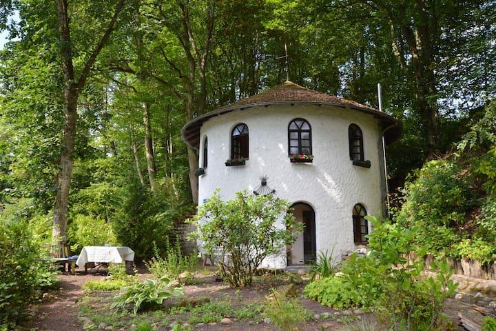 Acogedora casa de vacaciones en Strotzbüsch con sauna