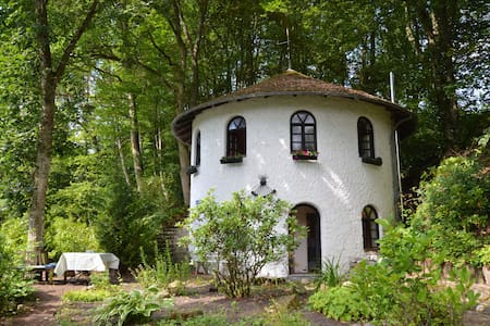 Cosy Holiday Home in Strotzbüsch with Sauna
