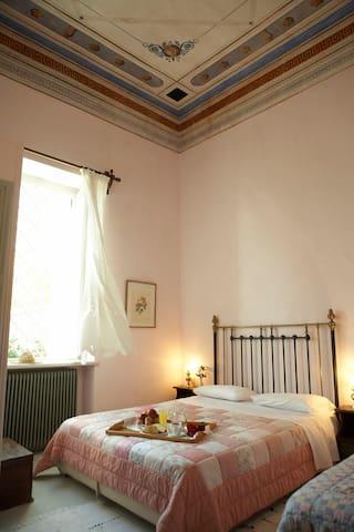 Triple room in luxury mansion - Agios Georgios Nileias - Complexo de Casas