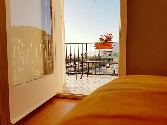 Habitación con terraza - Castelldefels, Catalunya, ES - Appartement