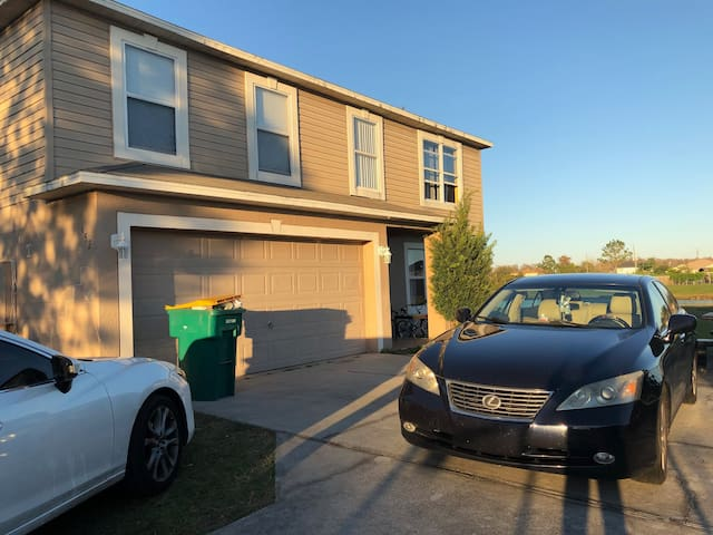 Rooms In Poinciana