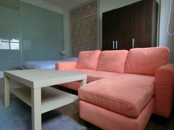 台南在地舒適乾淨品味民宿,附近熱鬧,房間安靜,花園夜市旁