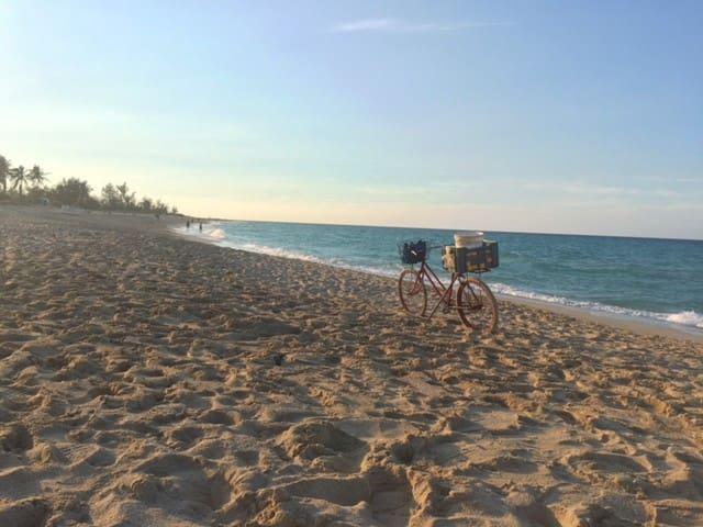 Best beach+private room+Ocean&mountain views!Room2