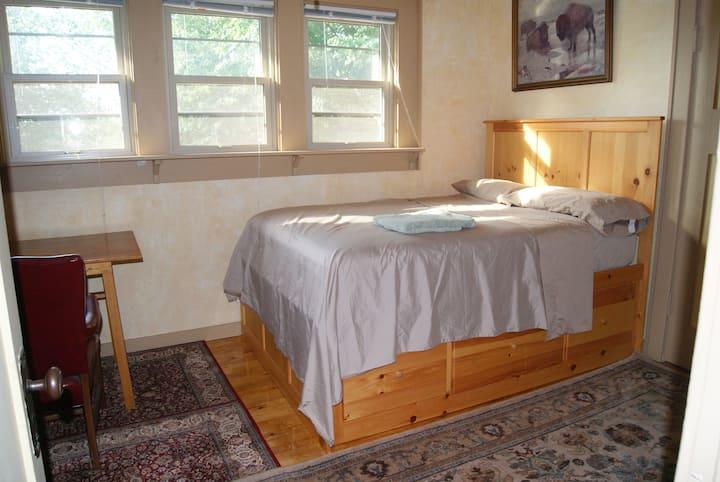 Near Eastside - South Bedroom