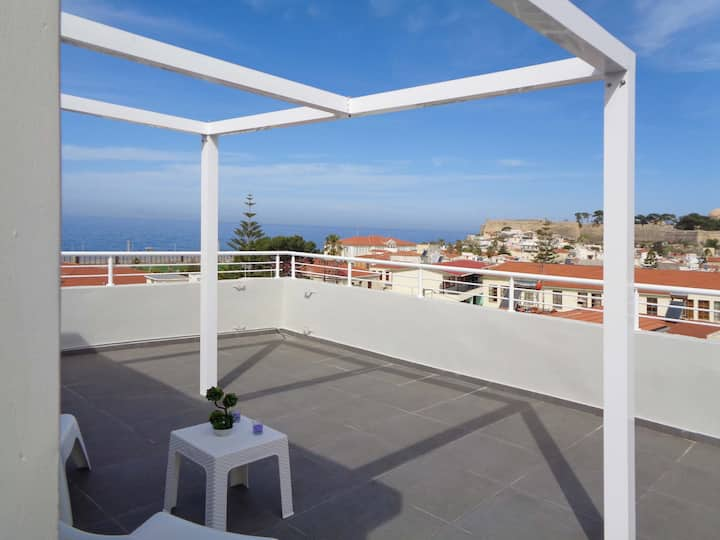 Castle & Sea View Apartment in Rethymno