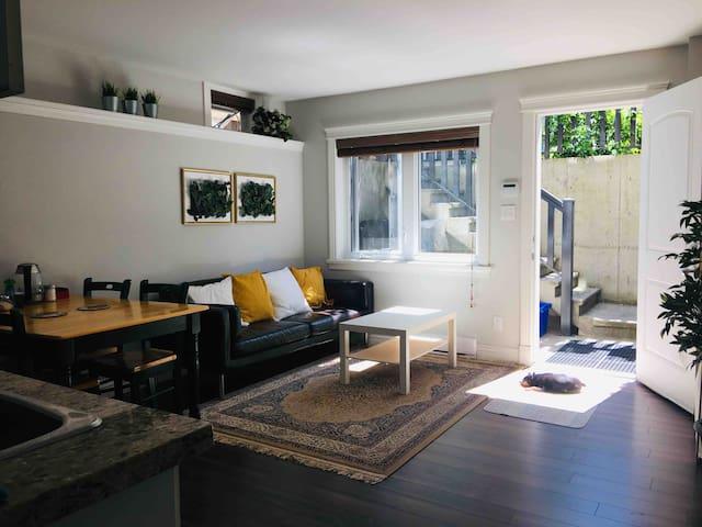 Quiet Private Room #2 Near UBC