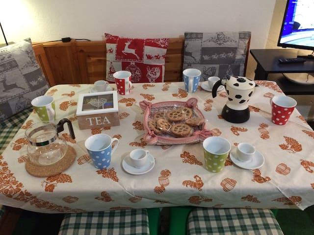 La Tavola. The table