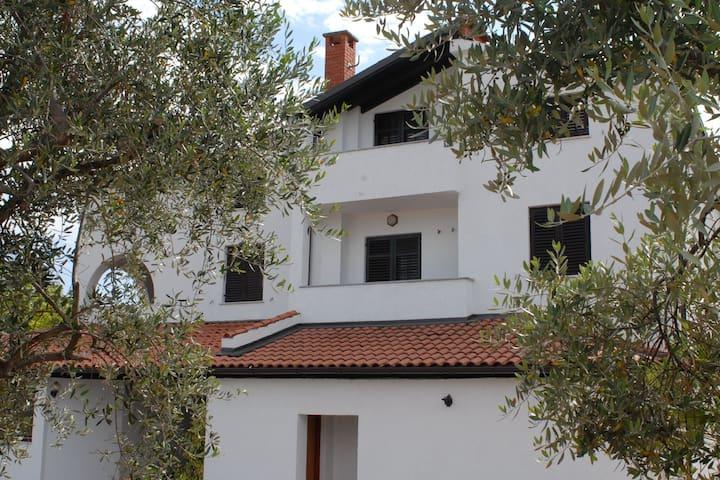 Apartamento simplista en Poreč con piscina