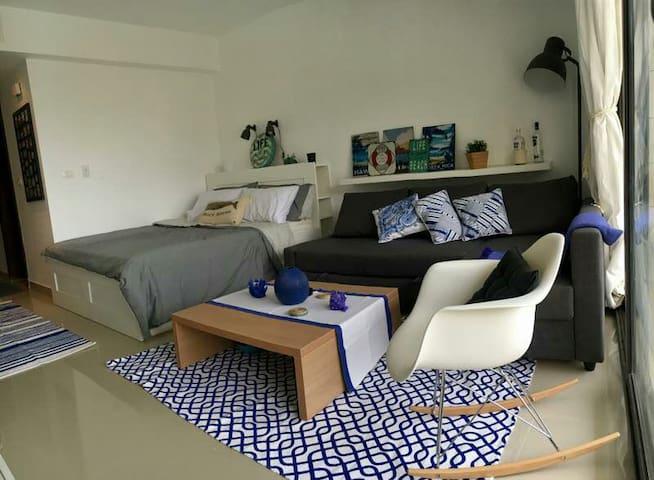 Cozy Studio Apartment at Gcribs