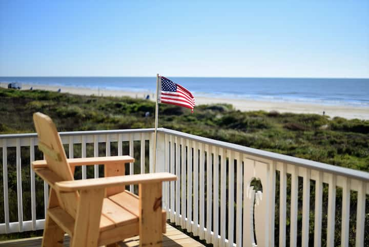New! Beachfront! 4bdr (3 kings)/3 bath/ Sleeps 17
