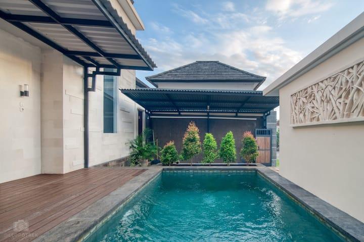 3 Bedroom Villa UNGASAN- BALI
