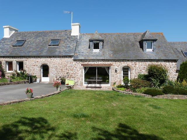 Maison de charme entre terre et mer - Plougasnou - Huis