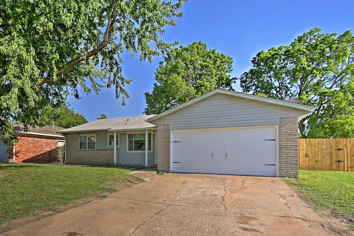 Spacious House w/ Yard - Mins from Downtown Tulsa!