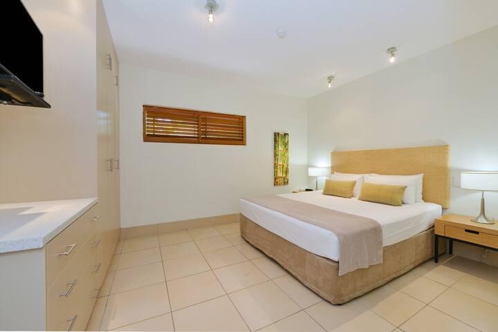 Modern + Spacious | Macrossan St | 1 Bedroom