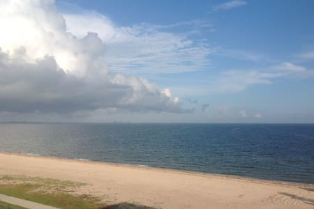 Beautiful North Beach Condo with Ocean/Beach views - Corpus Christi - Condomínio