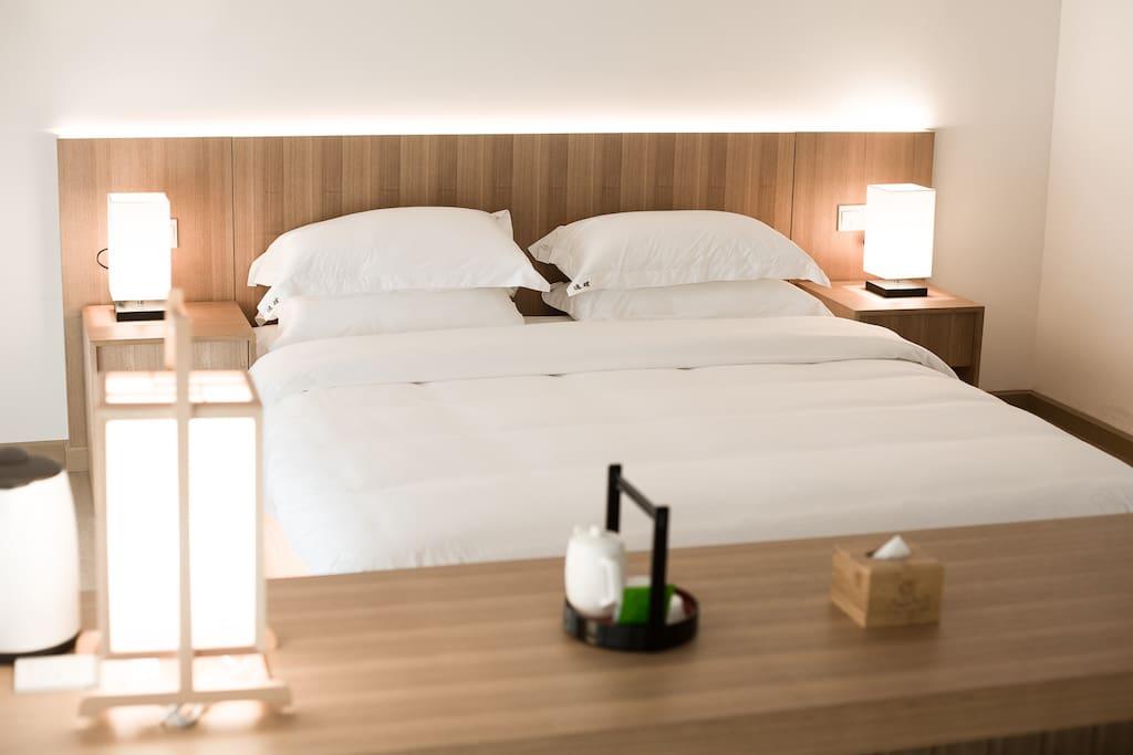 一号与二号房间的大床款式