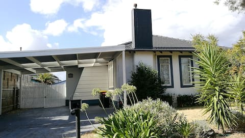 Not bookable! 3-bedroom house at Central Dandenong