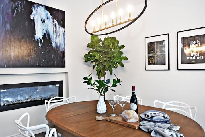 Modern Comfort In A Luxury Townhouse Townhouses For Rent In Vaughan Ontario Canada