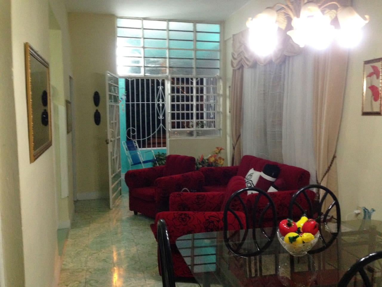 With two private room, ground level apartment in less than 20 min for all tourism attraction you will be able to walk every where on the fantastic Havana, Capital of Cuba.  One of the most safest neighborhoods in town due it is just 5 walking  min from Jose Marti Mausoleum.