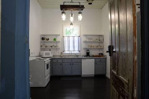 Historic Waverly Railroad House, 2 bdrm/1bath