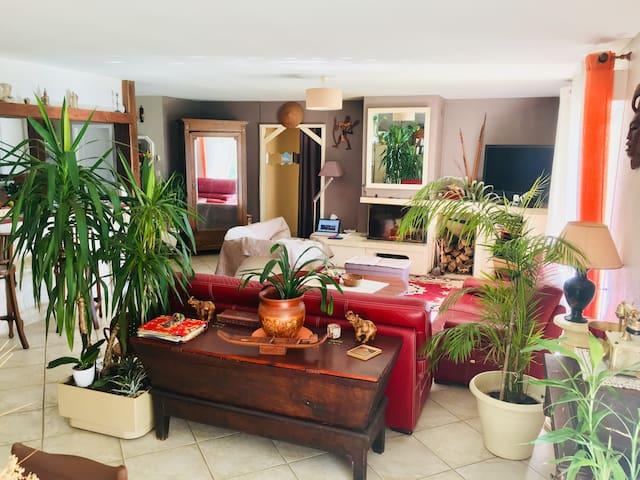 Chambre calme dans maison à 10 min d'Angoulême