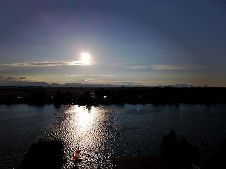 The Beautiful 'Farmers' Lake