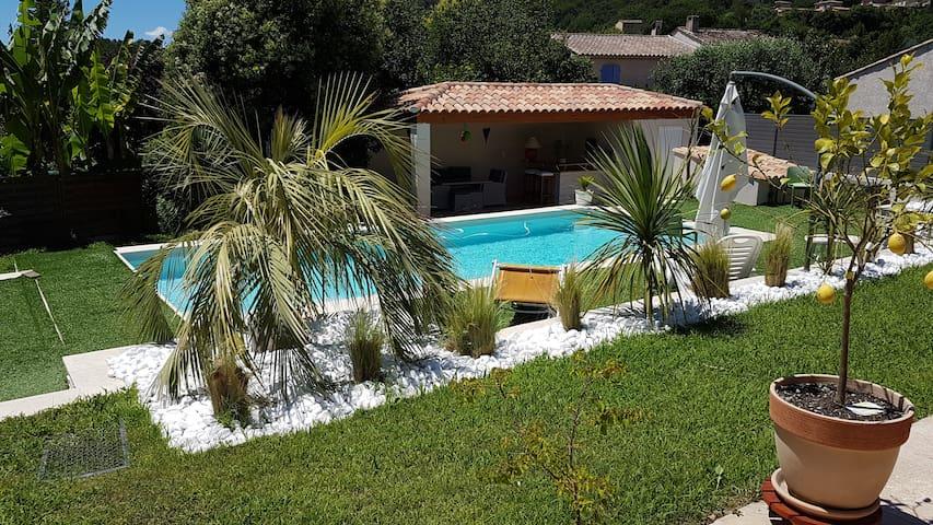 Appartement dans villa avec Piscine - La Colle-sur-Loup - Byt
