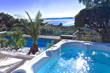 Villa 5*. Sea view. Heated pool. Jacuzzi. Sauna.