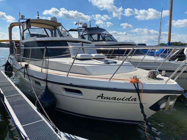 Luxusurlaub auf der Amavida Yacht / Scharmützelsee